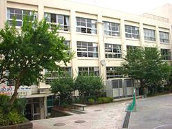 港区立高陵中学校
