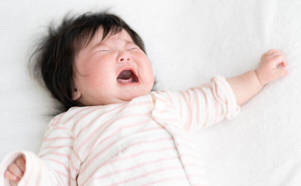 赤ちゃん 寝る 前 大 泣き